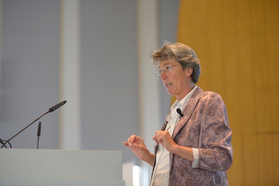 Prof. Dr. Melanie Steffens